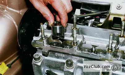 Ваз 2110 заглушки на двигателе