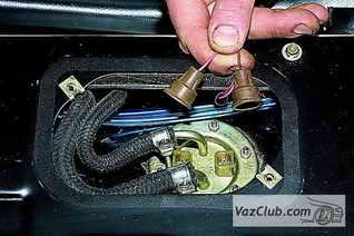 датчик контрольной лампы топлива niva 4x4