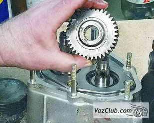 снятие и установка шестерни с первичного вала