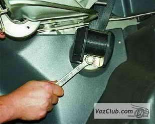 zamena zadnego remnya 6 - Установка задних ремней безопасности на ваз 21099