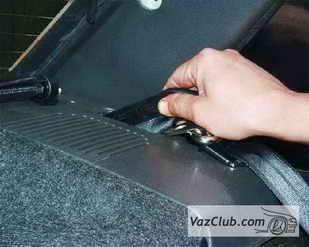 zamena zadnego remnya 7 - Установка задних ремней безопасности на ваз 21099