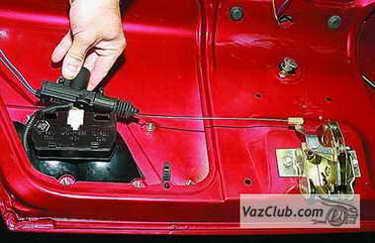 установка электропривода багажника